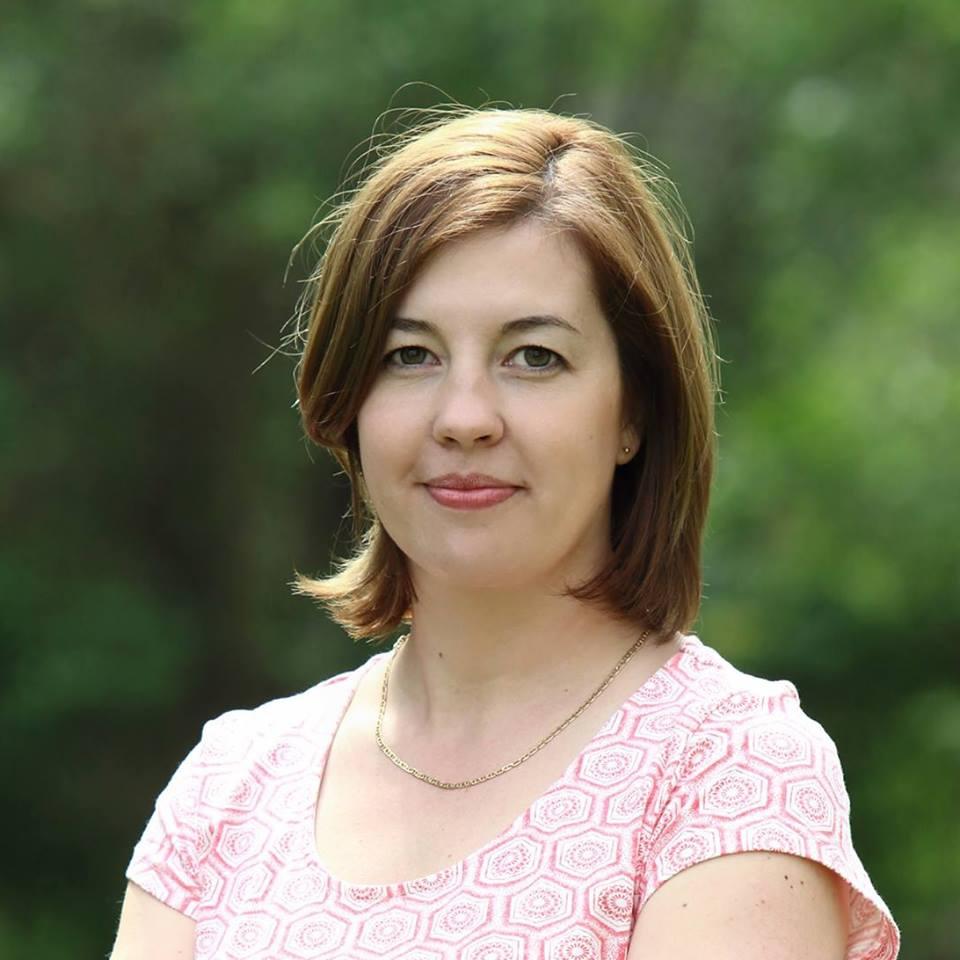 Martincsevicsné Jenei Gizella az Olajozott egészség című könyv szerzője.